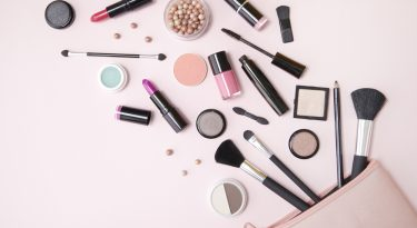 Make Your Makeup Vanity Flawless With These Tips