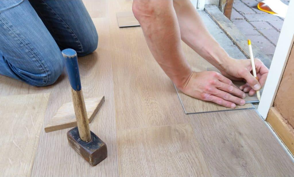 Floor Flooring Hand Man 1388944