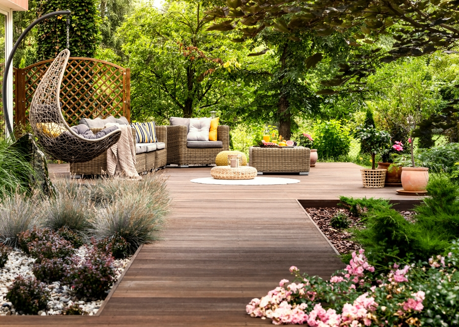 Create The Perfect Entertaining Space In Your Backyard